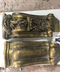 con tiện trang trí nhà cổ điển