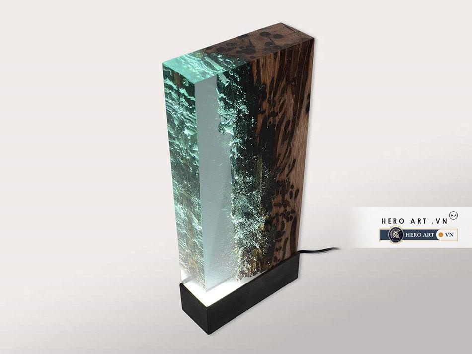 đèn điện epoxy, bàn gỗ tự nhiên