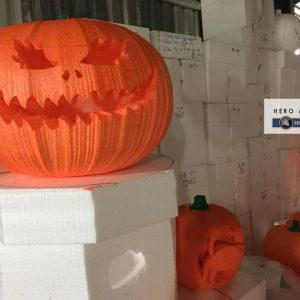 đèn bí ngô trang trí halloween bằng mút xốp lớn