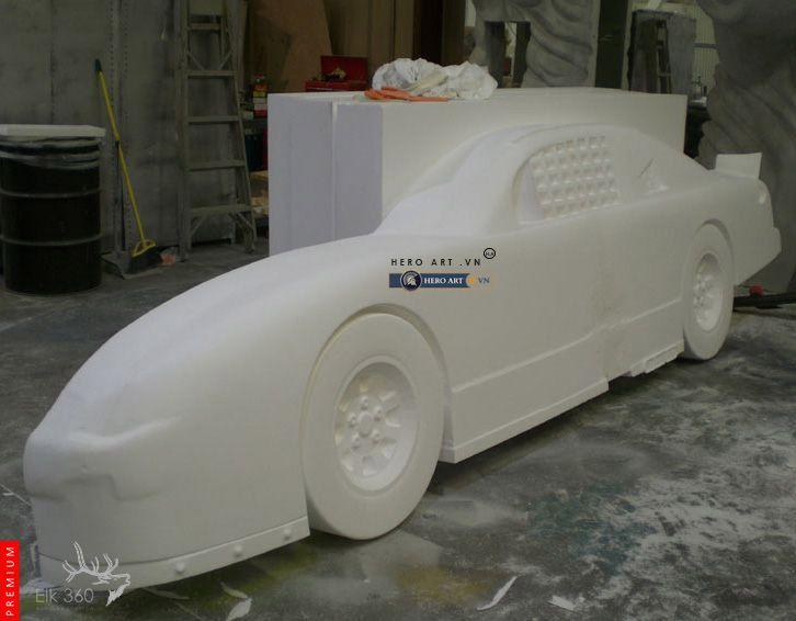 điêu khắc mô hình xe hơi bằng mút xốp