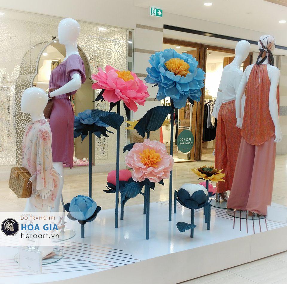 cty sản xuất hoa giả làm bằng giấy khổng lồ trang trí windơ display