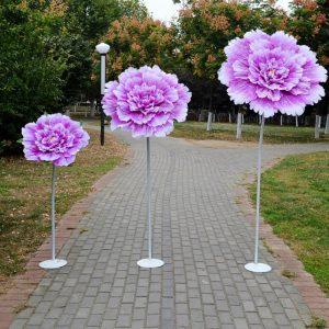 xưởng sản xuất hoa giả khổng lồ