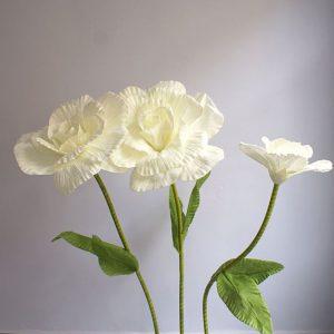 làm hoa giả trang trí cho cửa hiệu thời trang, chất liệu mút xốp