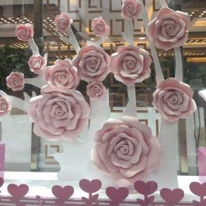 bán hoa hồng khổng lồ trang bằng giấy, foam