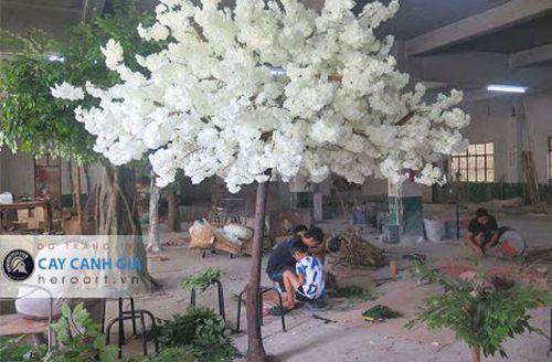 sản xuất cây hoa giả trắng