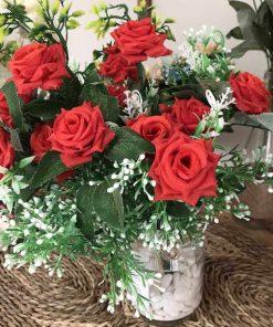 hoa hồng giả để bàn, lọ hoa vải trang trí
