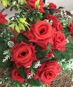Bình hoa hồng giả để bàn đẹp