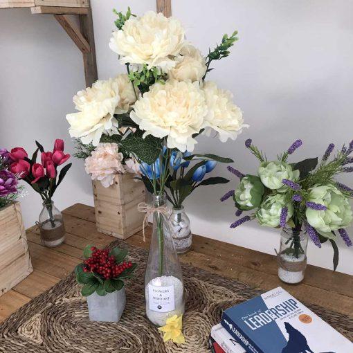 Lọ hoa giả nhỏ để bàn