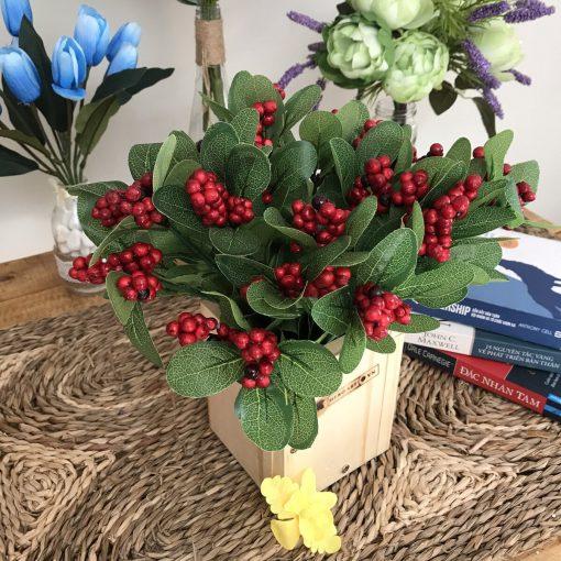 chậu hoa bằng gỗ thông hoa giả để bàn