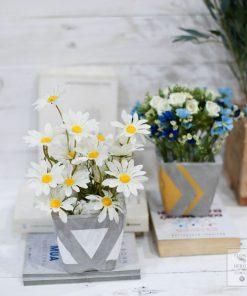 chậu hoa giả cúc trắng
