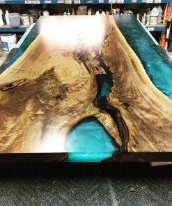 bàn gỗ epoxy lớn