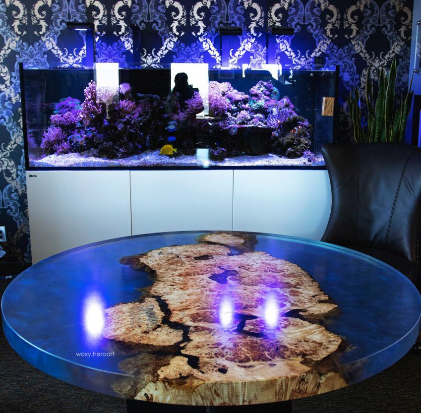 bàn gỗ epoxy tròn