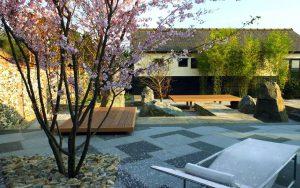 Thiết kế thi công trang trí sân vườn